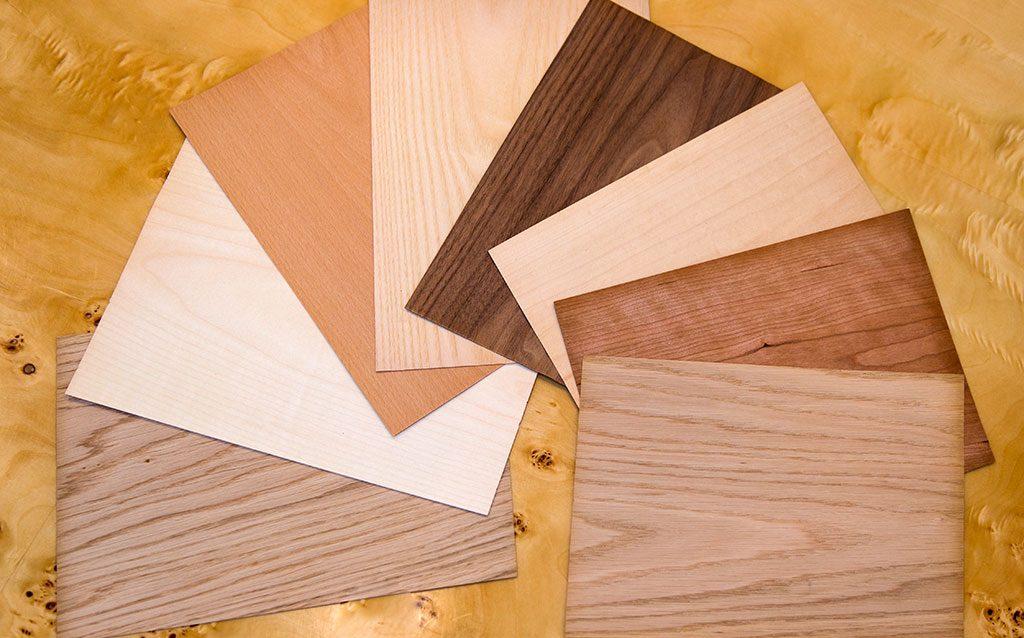 Holzplatten nebeneinander gereiht